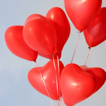 Balloon hearts with print