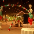 Arches from helium balloons